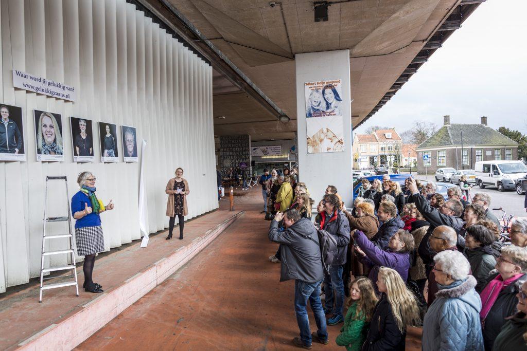 Wethouder Rita Visscher verzorgde de opening met een mooie speech over geluk Foto: Marjolein Oostingh en Ruben Timman   Nowords.nl