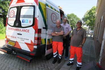 Vrijwilligers Dierenambulance Zaanstreek delen de zorg voor de dieren