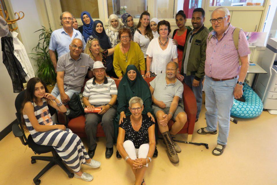 De Sluis in Zaandam: vrolijke gezichten bij ontmoetingsplaats voor nieuwkomers