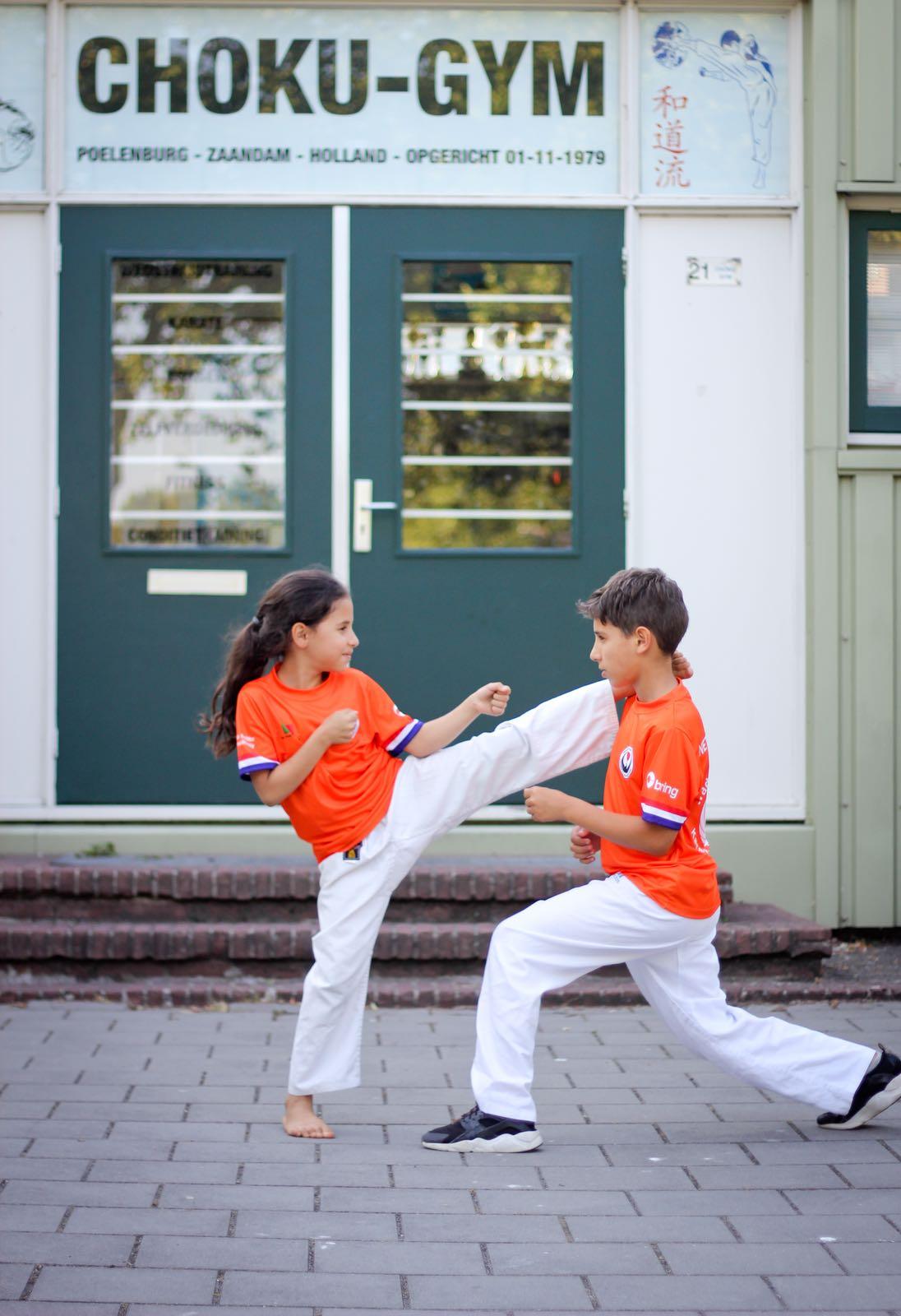 Lyna Achghouyab en Samy Achghouyab, karate