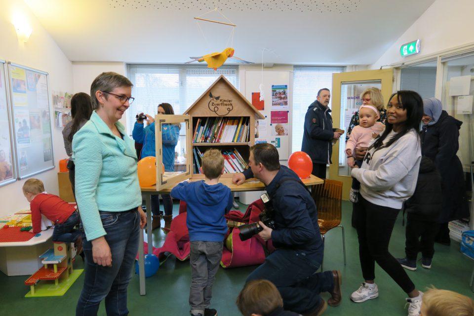 Kinderzwerfboekstations Poelenburg zijn open!