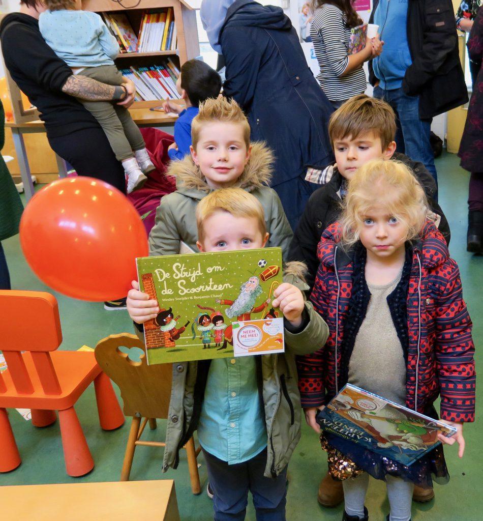 zwerfboekstation Poelenburg, foto sarah Vermoolen