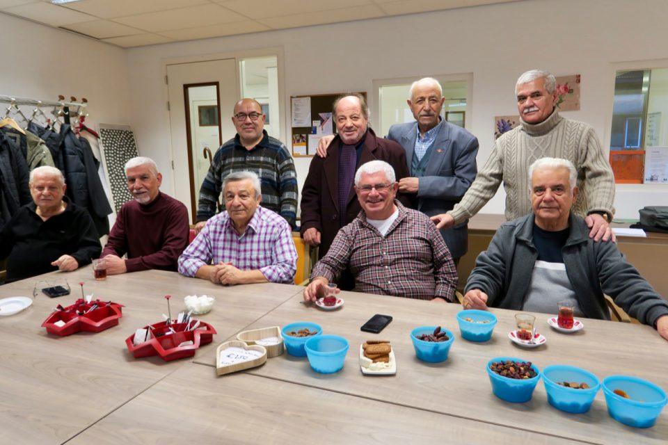 Turkse mannengroep (1): 'Jammer dat er zo weinig contact is met Nederlanders'